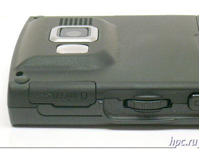 Samsung SGH-i600: microSD слот и колесо прокрутки