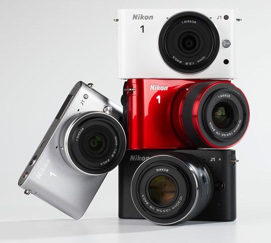 Многообразие расцветок Nikon 1 J1. Также камера выпускается в розовом цвете