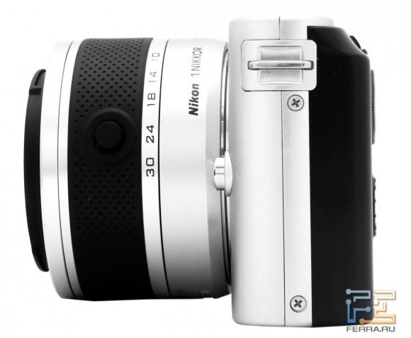 Nikon 1 J1, вид слева