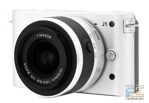 Nikon 1 J1, вид спереди