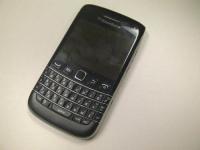 Опубликованы новые фотографии смартфона BlackBerry Bold 9790