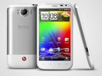 HTC SENSATION XL с BEATS AUDIO представлен в Украине