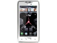 Motorola Droid RAZR замечен в белом корпусе