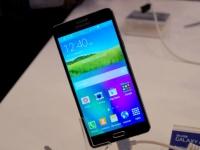 Samsung представила ультратонкий фаблет Galaxy A7