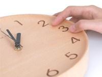 Xiaomi показала деревянные часы Wooden Digital Wall Clock