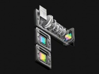 OPPO показала тройную камеру с 10х зумом и большой сканер отпечатков