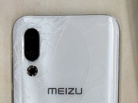 Meizu 16s разбили на следующий день после анонса