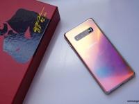 Уникальная расцветка Samsung Galaxy S10+ на живых фото