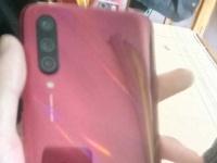 Отмененный Xiaomi CC9 в красном цвете на фото