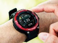Casio Pro Trek WSD-F21HR — дорогие защищённые умные часы с двойным экраном