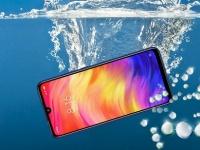 Xiaomi и Redmi выходят на рынок неубиваемых смартфонов