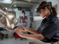 Поступила в продажу гарнитура смешанной реальности Microsoft HoloLens 2 по цене $3500