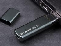 Transcend представила высокопроизводительный твердотельный USB-накопитель повышенной надежности JetFlash 910