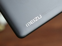 Больше не первый? Meizu 17 обрастает подробностями и инновациями