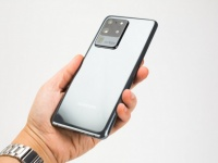 Фанаты серии Galaxy S20 бунтуют, требуя снятия ограничений дисплея