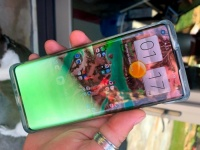 У смартфона Motorola Edge+ стоимостью $1000 наблюдаются серьёзные проблемы с дисплеем