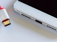 USB-C уже не остановить. Более половины смартфонов в 2020 получат этот разъем, поставки увеличатся в разы