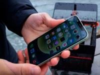 Лучше, чем ожидалось: Apple iPhone 12 выдержал погружение на девять метров вместо шести