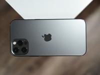 Тим Кук рассказал о продажах iPhone 12, забыв упомянуть iPhone 12 mini