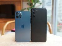 Apple и Samsung пытаются перехватить фанатов LG