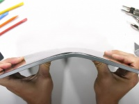 Новый iPad Pro наконец-то не лопается и прошел испытания блогера JerryRigEverything