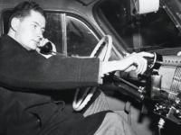 Первый звонок по мобильному телефону был совершен 75 лет назад