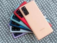 Смартфоны серии Samsung Galaxy S22 не получат подэкранные камеры