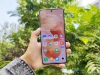 Компактный Xiaomi Civi показали на живых фото, официальном тизере и в видеоролике