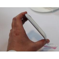 HTC Wildfire S - фото 3