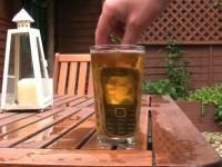 """Видео тест Nokia 3720 Classic - """"Купание"""" в пиве"""
