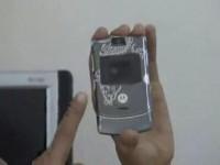Видео обзор Motorola V3 от AHA.vn